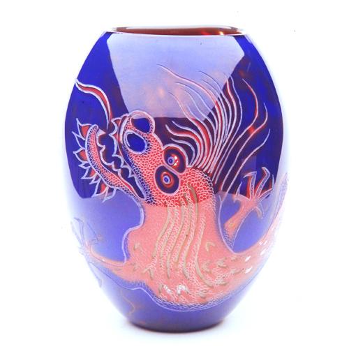 Red Dragon: graal vase